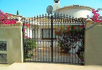 Gated entrance to villa in Calahonda